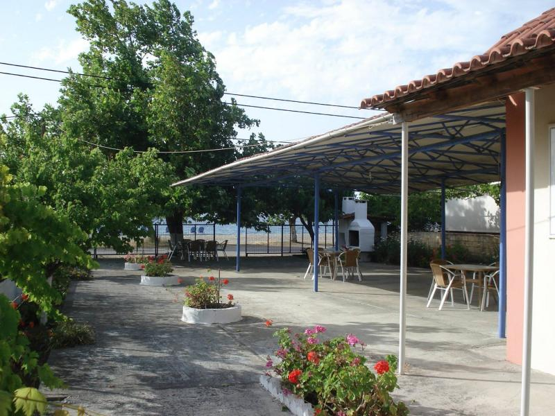 Rooms To Let Pefki Evia Accommodation Small Houses 4ty Gr