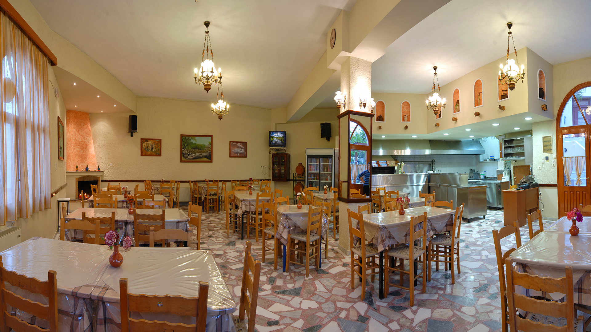<h2>TRADITIONAL TAVERN  O VASILIS</h2><p>MELANES NAXOS</p><div class='bgslideshowmore'><a href='http://www.tavernanaxos.4ty.gr/more.php?l=en' >More...</a></div>