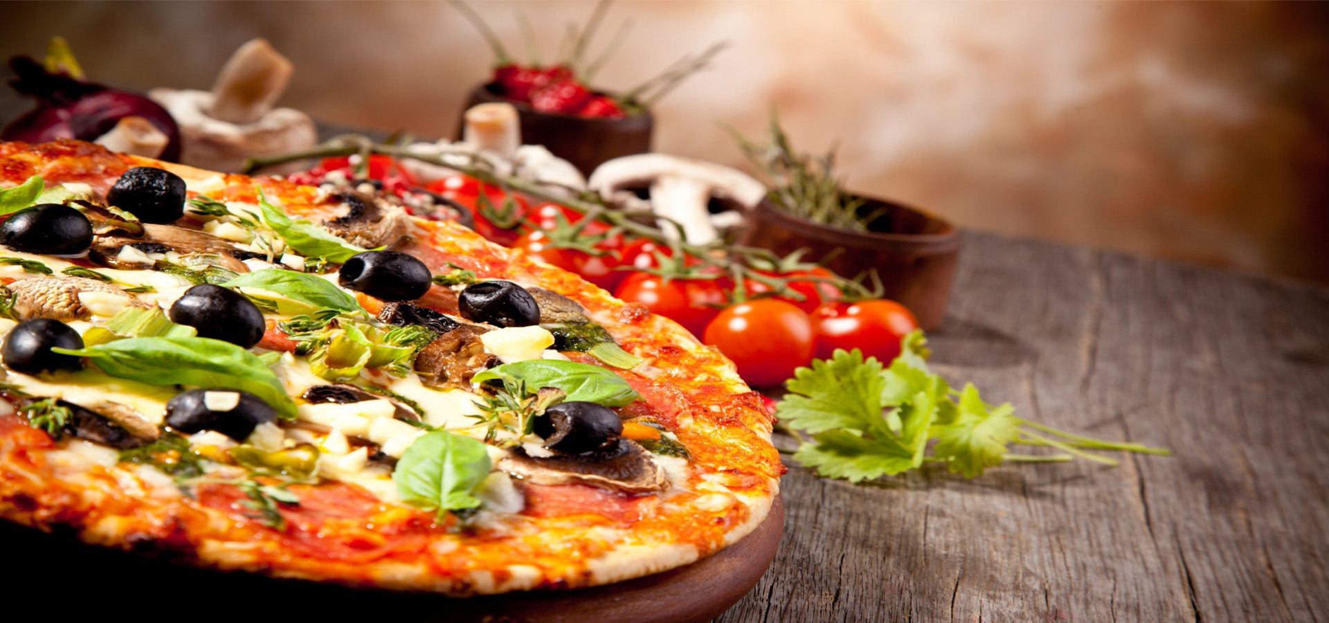 <h2>ROMEO RESTAURANT</h2><p>Pizza - Grill - Cafe | Παραλία Βόλου</p>