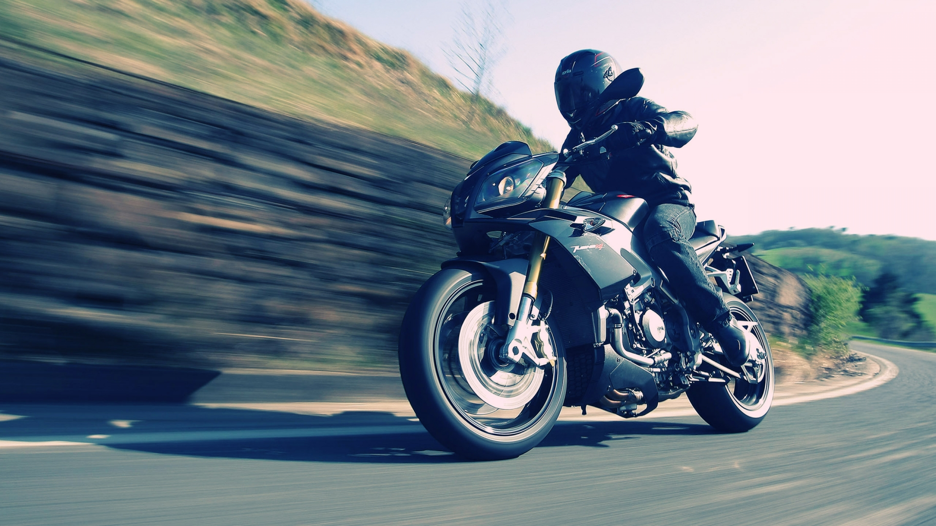 <h2>Motorcycle Licence</h2><p>Licences for all motorcycle categories</p><div class='bgslideshowmore'><a href='http://www.sxoliodigonxatzigiannis.gr/more2.php?l=en&id=7843' >More...</a></div>